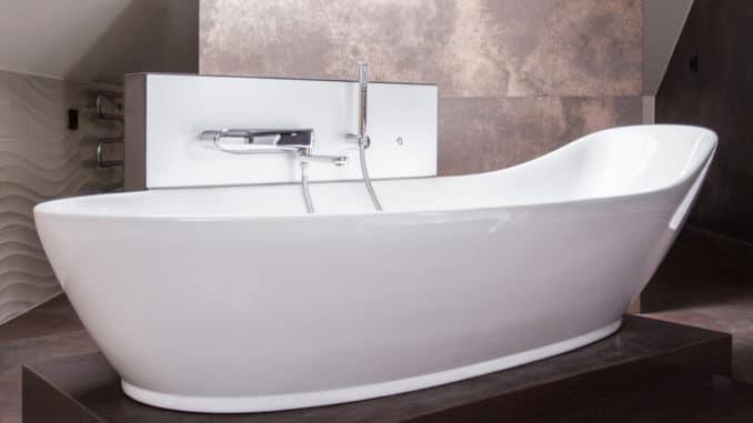 freistehende badewannen der trend kommt zur ck wohnen xxl. Black Bedroom Furniture Sets. Home Design Ideas