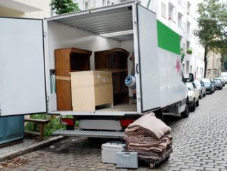 Umzug mit Möbelwagen
