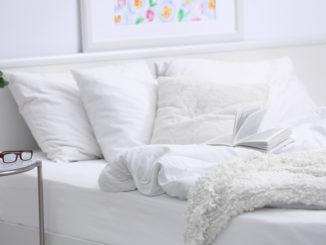 Bettzeug auf einem Bett