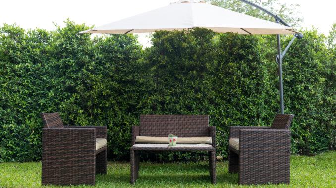 Gartenmöbel im Wohngarten