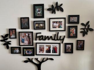Familienbilder in der Diele